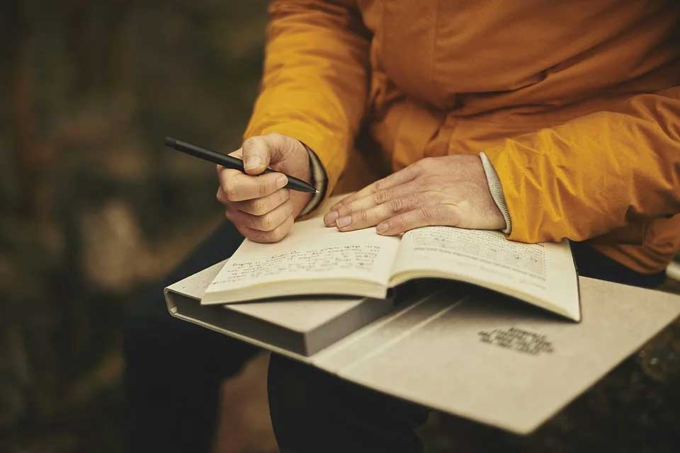 8 skritt mot å skrive din egen bok - 8 skritt mot å skrive din egen bok